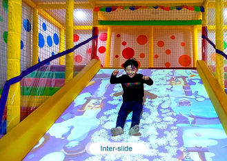 China Interactive floor game projector interactive projection wall children game machine fabriek